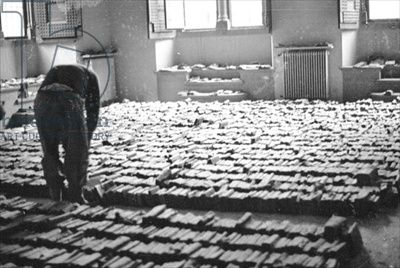 Books salvaged from the mud after the flood of Florence, November 1966