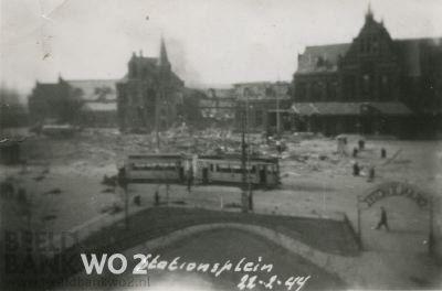 De bommen die op Nijmegen vielen waren bedoeld voor de Duitse stad Gotha en maakten deel uit van het offensief, 'Plan Argument', gericht op de vernietiging van de Duitse luchtmacht. Hoe het vergissingsbombardement heeft kunnen plaatsvinden is niet achterhaald.