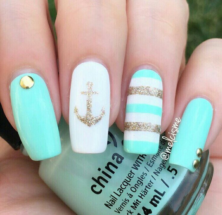 Gold mint and white combo Great holiday nails especially if ur going on a cruise. totally brilliant.