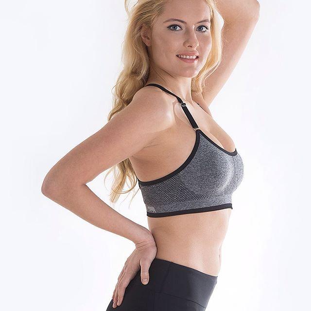 'Kadınlar tarafından, kadınlar için' misyonuyla kadınlara iyi görünecekleri ve iyi hissedecekleri aktif giyim koleksiyonları tasarlayan Running Bare şimdi Stilefit.com'da!