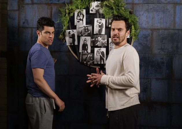 Wooden hoop with photos and greenery from Season 5 episode 21 of New Girl - Decor Ideas - Rustic - reclaimed