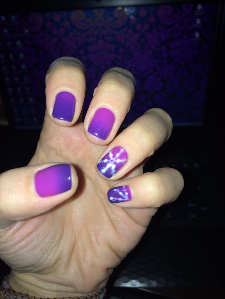 Winter nail art thermocolor