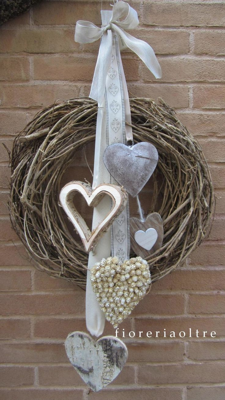 Fioreria Oltre/ Front door wreath https://it.pinterest.com/fioreriaoltre/fioreria-oltre-front-door-wreaths/