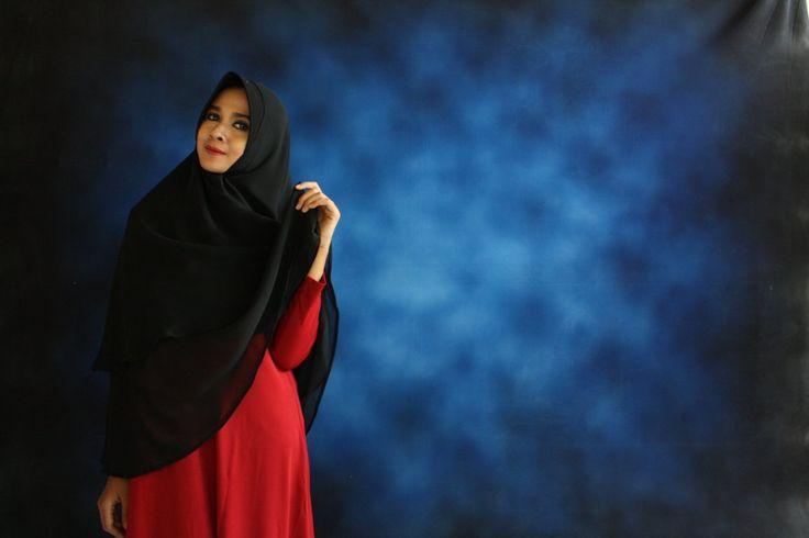 gaun hijab muslimah  gaun hijab terbaru  gaya baju hijab modern  gaya berjilbab modern  gaya berjilbab segi empat  gaya berjilbab terbaru  gaya busana hijab  gaya busana hijab modern  gaya busana hijab terbaru  gaya foto hijab  gaya hijab   Menerima pemesanan jilbab dalam partai besar dan kecil. TELP/SMS/WA : 0812.2606.6002 #hijabsegiempatshifon  #hijabsegiempatsemarang  #hijabsegiempatsaudi  #hijabsegiempatsatin  #hijabsegiempatrawismurah