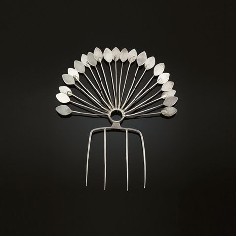 TONE VIGELAND (NORWEGIAN, B.1938) HAIR COMB circa 1960, white metal