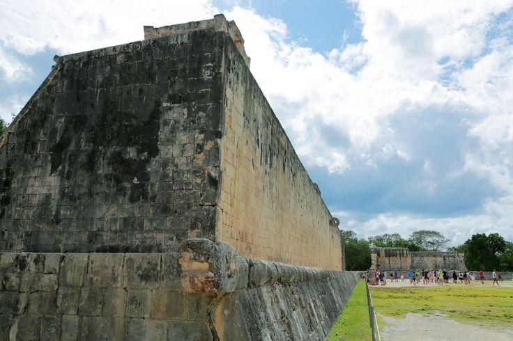 メキシコ、ユカタン半島のカンクンは日本でも知られた有名なリゾート地であるが、そのカンクン南のプエルトモレロスからプンタ・アレンまでの全長約193kmのカリブ海沿岸を「リビエラ・マヤ」と呼ぶ。ここは近年
