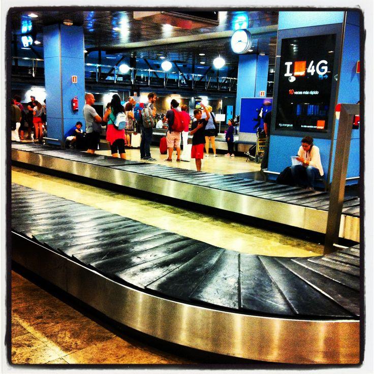 Recogida de equipaje . #barajas#nanodelarosa #cintatransportadora#thebackpack #nosvemosenlastiendas .el regreso como dios manda y el equipaje también
