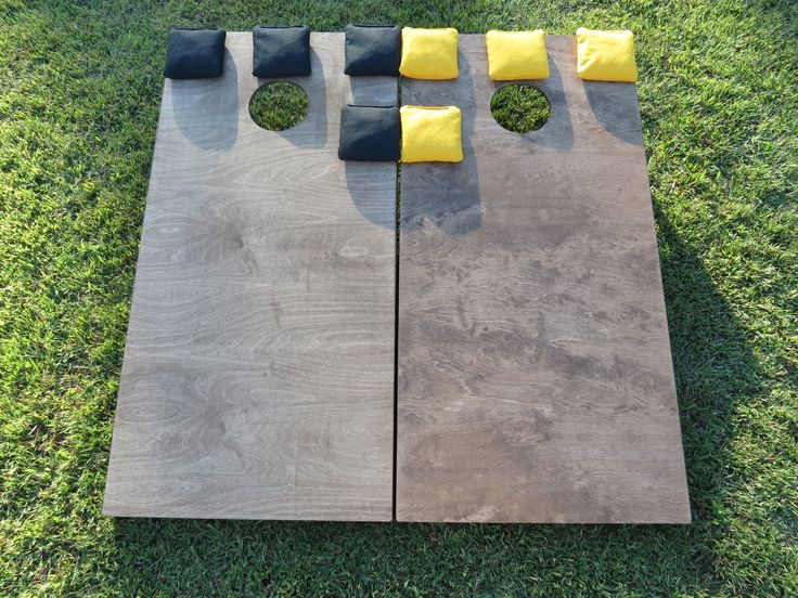 Light stain cornhole boards with bags