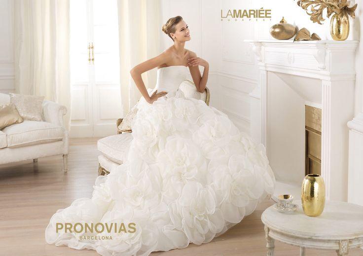 Licia esküvői ruha - Pronovias kollekció - La Mariée Budapest  http://mobile.lamariee.hu/eskuvoi-ruha/pronovias-2014/licia