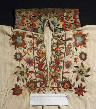 18th c style embroidery. Style of shirt used in East Telemark, Norway between 1800 and 1860