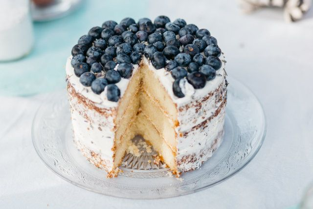 Credit: Kroonmoment Fotografie - nagerecht, geen persoon, crème, gebak, bes (botanisch), heerlijk, fruit, tafelsuiker, chocolade, pie (platte), eten, bosbes, bakkerij, bord, romig, taart, zelf gemaakt, bakken, pudding