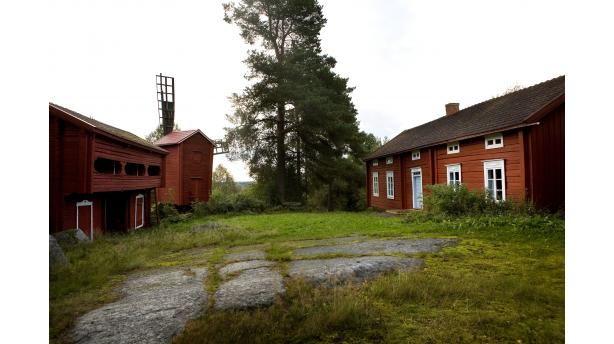 Fädernegården Ostrobothnia is a typical two-room cottage, built in 1852. Ostrobothnia province of Western Finland. Pohjanmaa