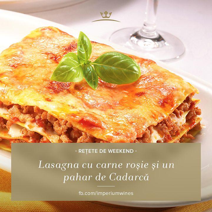 Când servești o porție de paste consistente, ai nevoie de un vin bine ales care să completeze masa și să ușureze digestia. Lasagna ar merge excelent cu un pahar de Cadarcă, de exemplu: http://lovewine.ro/vinuri/vinuri-romanesti/imperium-wines/vin-rosu,-cadarca,-imperium-wines,-vin-sec,-vin-romanesc,-vin-de-minis,-vin-de-calitate-1877.html