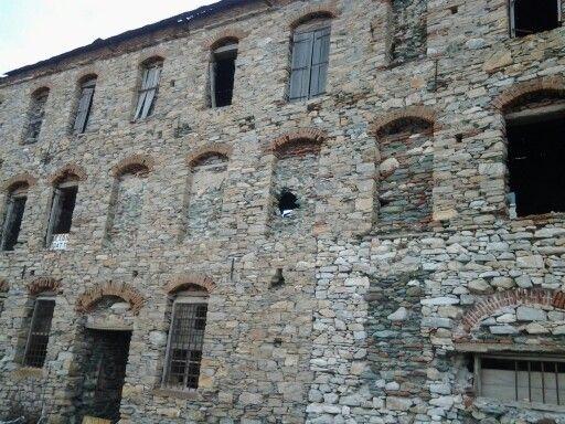 Huge old building, in ruins
