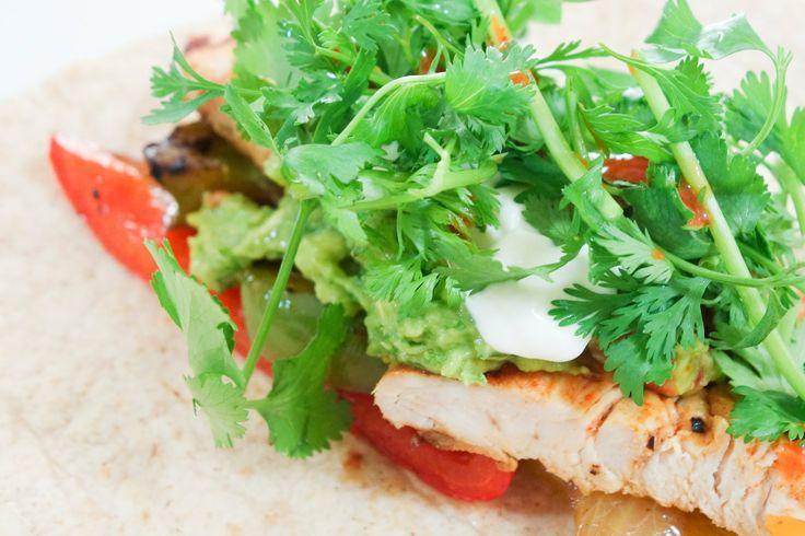 【猫と料理】めちゃうまメキシカン Cooking with Cats - Ymmy Fajita Recipe