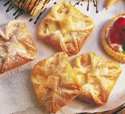 Topfengolatschen (Quarktaschen) - für das ausführliche Rezept auf das Bild klicken!