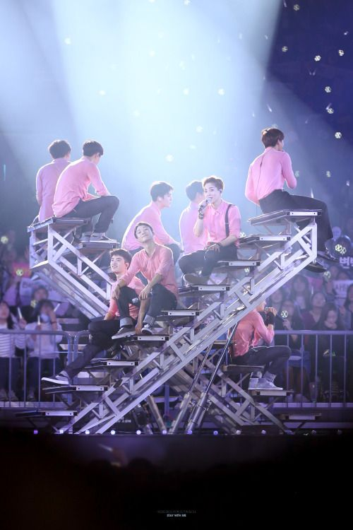 EXO - 160320 Exoplanet #2 - The EXO'luXion [dot]Credit: Stay With Me.