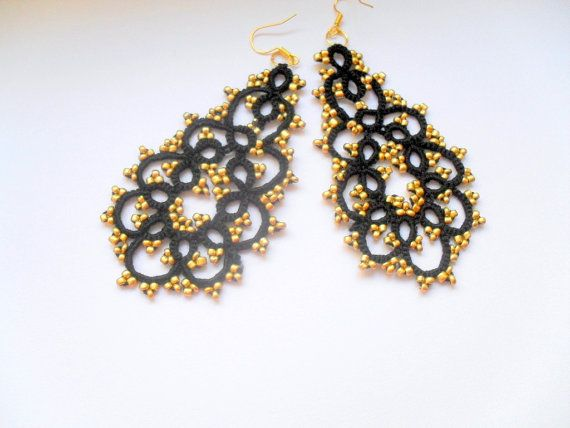 Lace tatting earrings, Black lace earrings, Lace tatted jewelry, Gothique lace earrings, Tatted earrings with glass beads