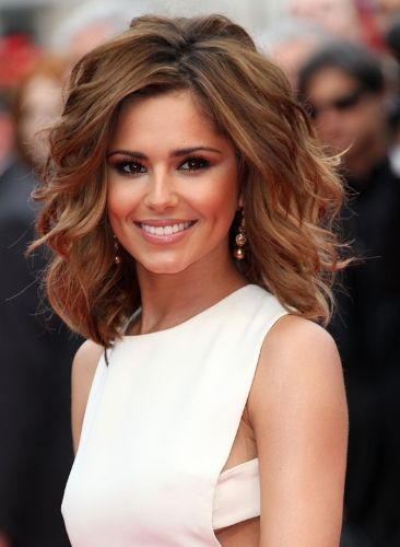 I want this hairstyle!! Cute Short Haircuts for Round Faces