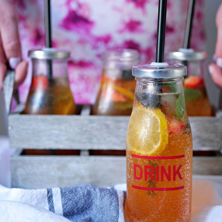 Selbstgemachter Eistee für die heißen Sommertag. Der perfekte Sommerdrink.