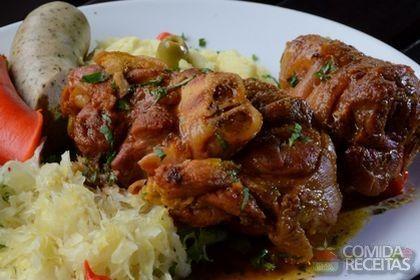 Receita de Eisbein (joelho de porco) em receitas de carnes, veja essa e outras receitas aqui!