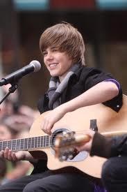 Justin and his guitar <3