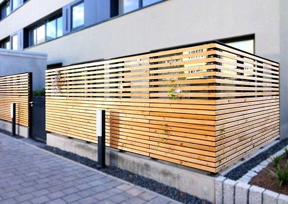 Balkon im Erdgeschoss mit sicherem, soliden Sichtschutzzaun – Anbieterinfo