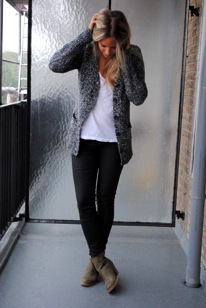 Salt & pepper cardigan. white shirt, black pants, taupe boots... Just not skinny pants, definitely boot cut