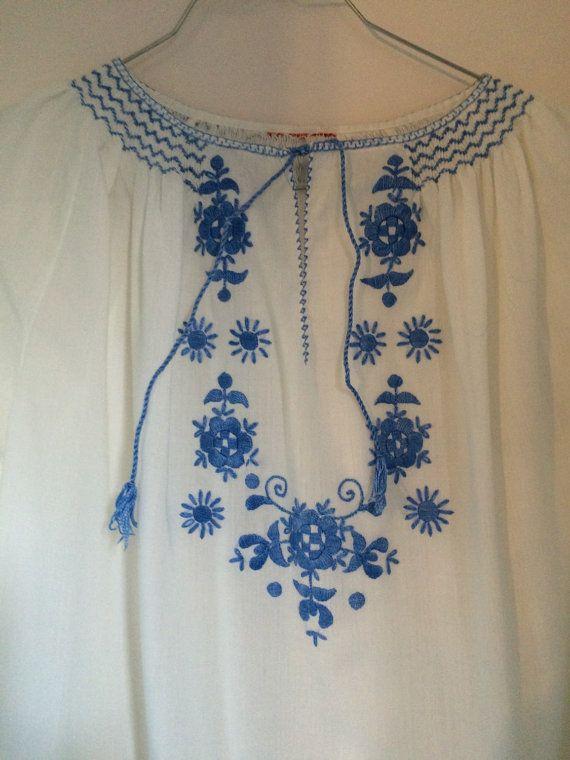 Fino bordado azul blanco algodón túnica blusa por VintageHappyDaisy
