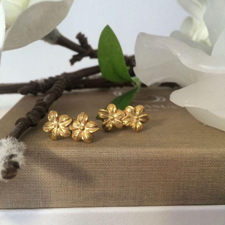 Orecchini fiori in argento dorato