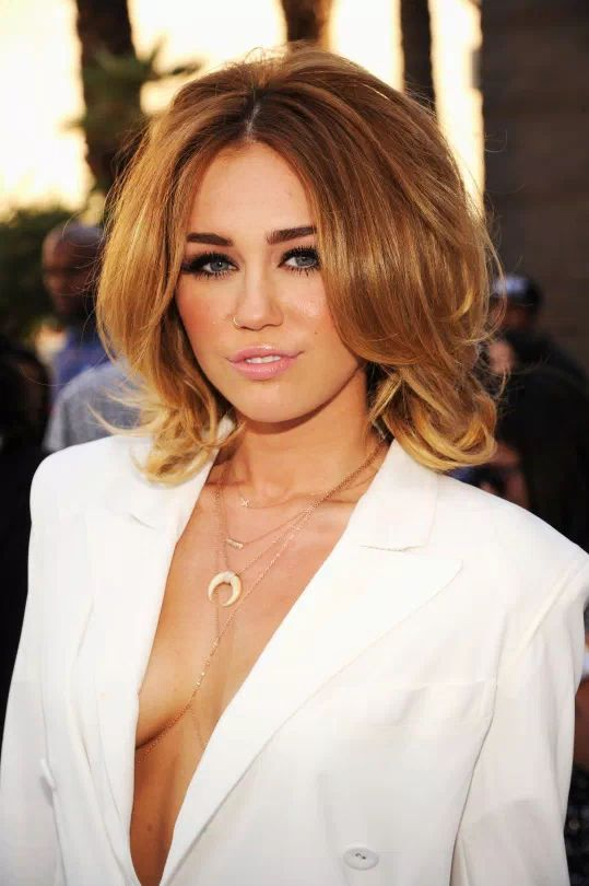 Miley Cyrus at the Billboard Music Awards, 2012.