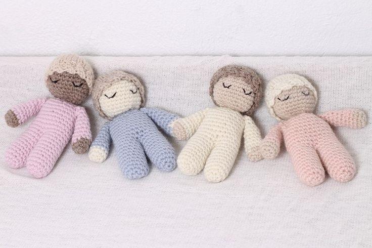 Rainbowbabyprops — Sleeping baby - Little crocheted baby - Photo amigurumi prop