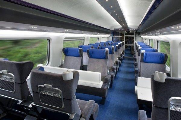 À l'occasion du lancement de la ligne Rhin-Rhône, Compin Group s'est associé à RCP Design Group et Nimos Design.