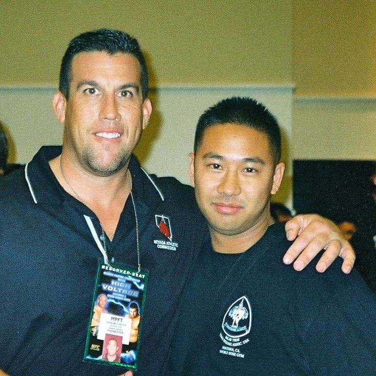 Let's get it on for FLASHBACK FRIDAY with @realbigjohnmccarthy at my first UFC event in Las Vegas!!!  UFC 34 - High Voltage didn't disappoint!!! 💥👊💥  #muaythai #thaiboxing #jiujitsu #bjj #martialarts #mma #tagmuaythai #ufc #highvoltage #bigjohnmccarthy #johnmccarthy #lasvegas #mgmgrand