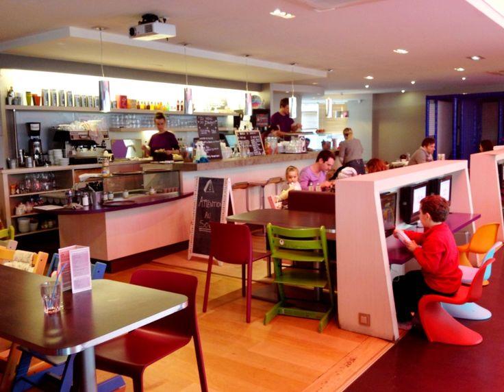 zeplegraounde caf restaurant avec aire de jeux r serv e aux enfants toulouse toulouse. Black Bedroom Furniture Sets. Home Design Ideas