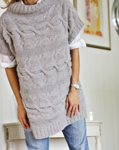 Next DIY project: Perfect oversize sweater for winter ........ pretty sure I CAN work the schematics for this one ...... love it!