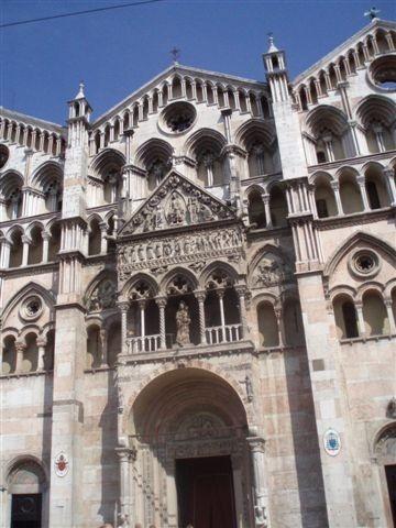 Cathédrale de Ferrare (Italie) XIIe siècle