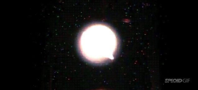 クイズ! 宇宙で火の玉を作ったらどうなるでしょう? | ギズモード・ジャパン