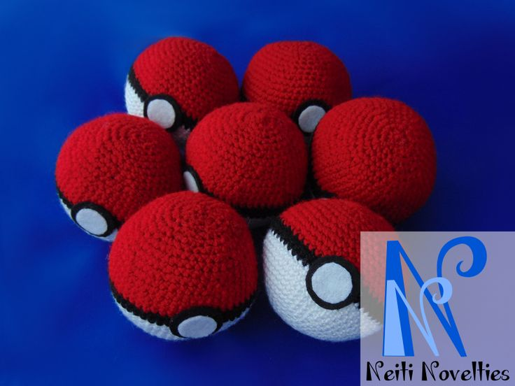 Crochet Pokeball - easy, fun and fast to made: my favourite combination ;)