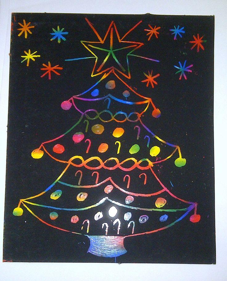 Blad kleuren met wasco, zwart verven en een kerstboom uitkrassen.