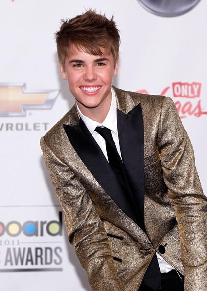 Justin Bieber 2011 Billboard Awards, Gold Suit Jacket