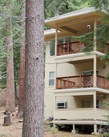 Yosemite Lodging In West This House Is A Duplex With 3 Bedroom Home On