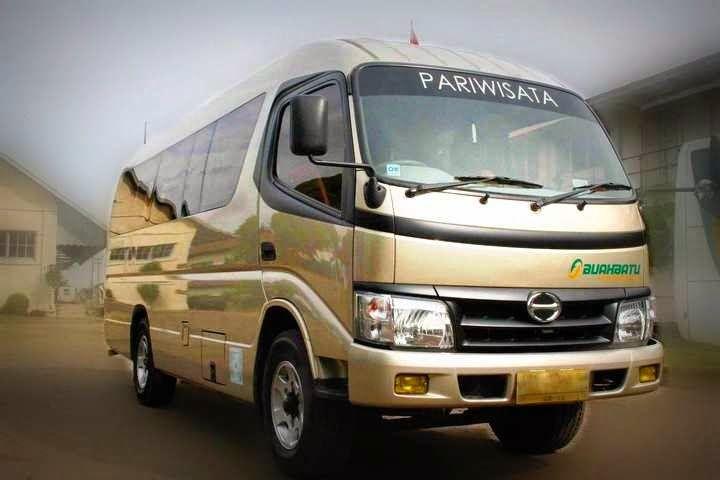 Kami dari LMJ (Lembah Manah Jaya) Trans menyediakan armana bus ELF dengan kapasitas 14 penumpang dengan harga yang terjangkau. hubungi kami segera untuk mendapatkan layanan terbaik kami. Kami memiliki armada terbaik untuk kenyamanan berkendara anda.