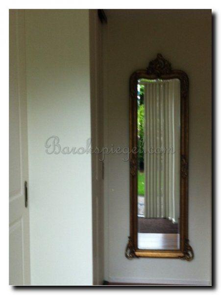 Een halspiegel met kuif. http://www.barokspiegel.com/http/www-barokspiegel-com