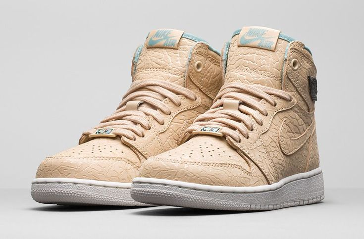 The Nike Air Jordan 1 High Sand Dune GG are set to release this Saturday in Europe. http://thesolesupplier.co.uk/products/nike-air-jordan-1-retro-high-gs-sand-dune/