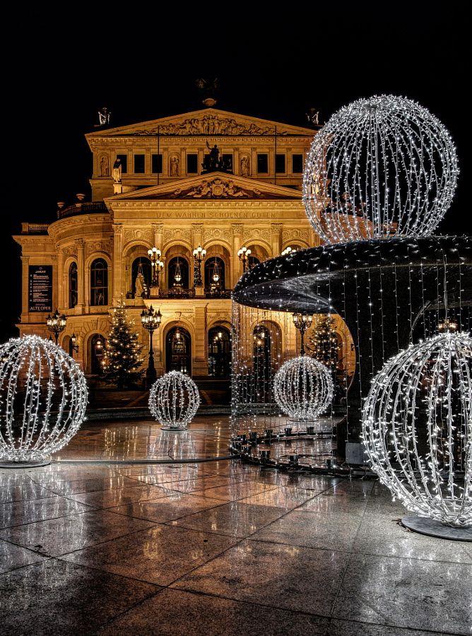 Alte Oper Frankfurt jetzt neu! ->. . . . . der Blog für den Gentleman.viele interessante Beiträge  - www.thegentlemanclub.de/blog