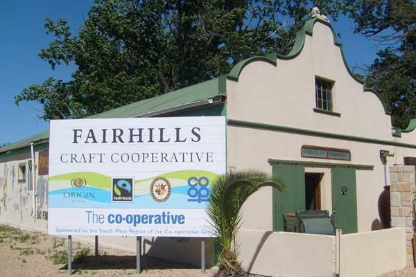 We visit the craft cooperative, part of Fairhills wine. After touring the craft workshops we have a great lunch and sample some of the lovely Fairtrade wine.