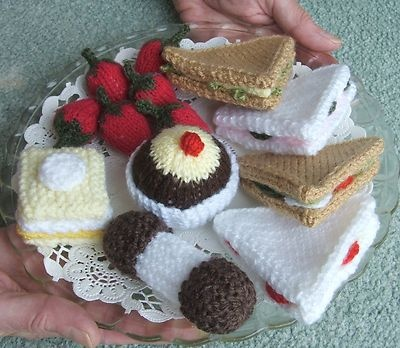 1000+ images about Knitted food on Pinterest Toys, Cakes and Play food