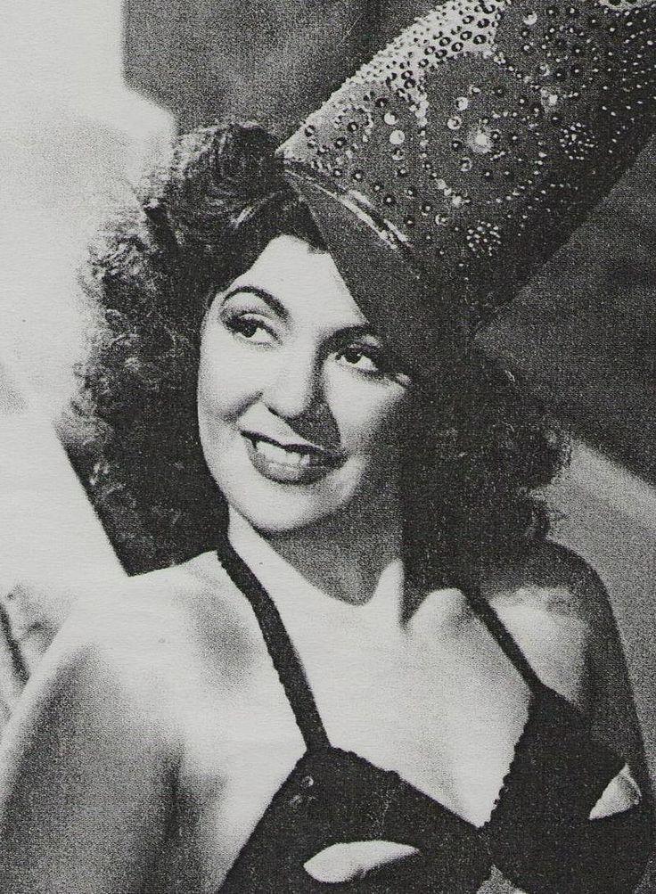MARIA ANTONIETA PONS - Actriz y rumbera de origen Cubano muere en el 2004