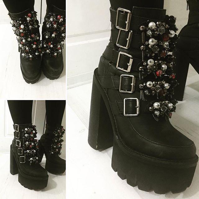 Uno de los más jugados que tengo #jeffreycampbell #jeffreycampbellshoes #highheels #Shoes
